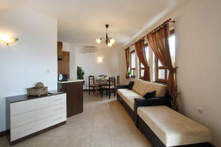 Апартамент под наем с една спалня интериор - Комплекс Пърл Апартментс Буджака - Созопол Апартментс